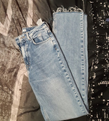 Nove Zara traperice s prorezom