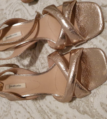 Stradivarius rose gold sandale
