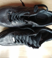 Hilfiger cipele 44
