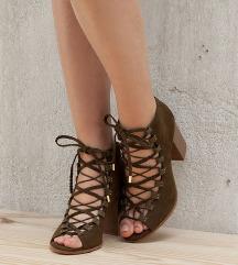 Rezz. Bershka gladijator sandale