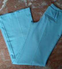 Svijetlo plave hlače