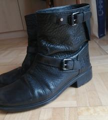 Crne čizme prava koža 40
