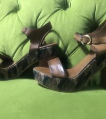 Sandale nove 38