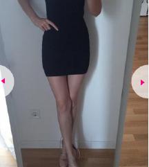 Crna mini dekoltirana haljina