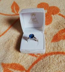 Srebrni prsten sa plavim cirkonom