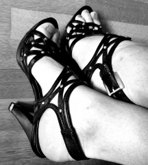 Guess NOVE sandale