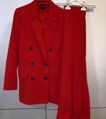 Crveno odijelo / komplet