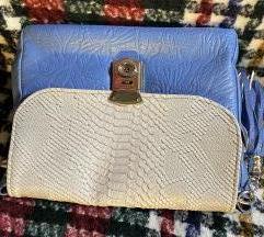 Svijetlo plava torba zmijska