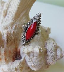 Prsten srebro filigran s crvenim kamenom