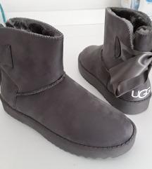 UGG zimske čizme s mašnicom, sive, vel. 37
