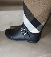 TRAŽIM Burberry rubber visoke čizme