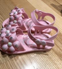 A Dee predivne roza gumene sandale curice
