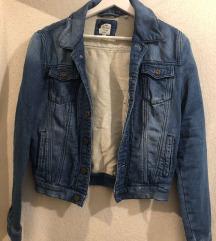 XS traper jaknica