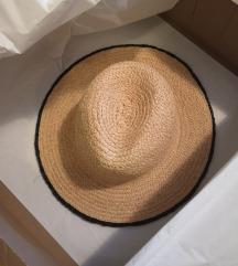 Zara šeširi M i S
