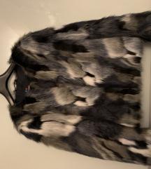 Kratka bunda od umjetnog krzna