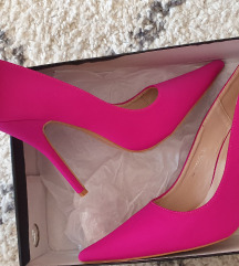 Pink salonke