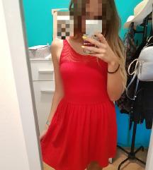 Crvena Bershka haljina