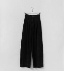 Bershka Wide-leg corduroy trousers vl.38