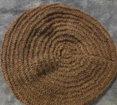 Rukom pletena kapa