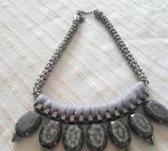 Siva ogrlica
