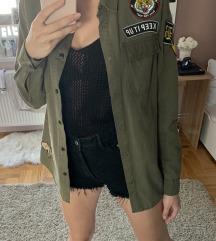 Aplicirana maslinasta army jakna