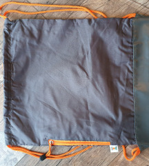 Sivi ruksak / vreća