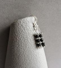 Naušnice sa srebrom i crnim oniksom