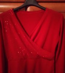 Crvena majica sa svjetlucajućim nitima