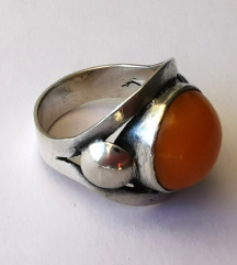 Stari srebrni prsten butterscotch jantar