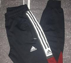 Adidas nova muska trenerka