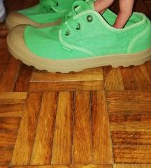 Palladium tenisice/cipele br 37