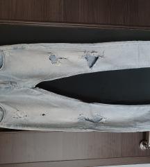 Zara svijetle poderane traperice