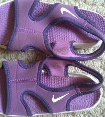 Nike sandale 26 br.