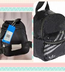 Adidas mini ruksak nov sa etiketom