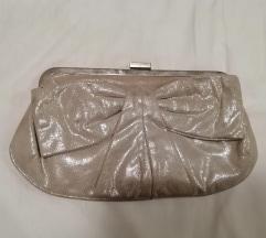 srebrena sjajna torbica
