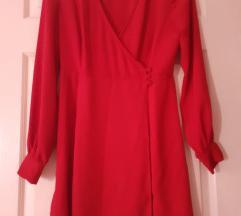 NIKAD NOŠENA Bershka crvena haljina