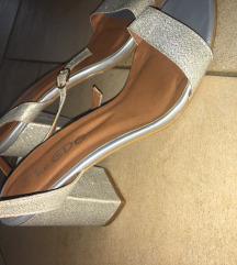 Srebrne sandale na petu