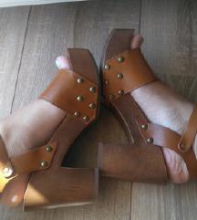 Nove 37 sandale