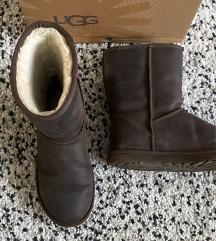 UGG smeđe čizme (vel.40)