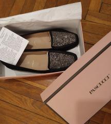 Talijanske cipele sa presijavajućim kamenčićima
