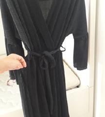 Crna plisirana haljina, univ.vel., uklj.pt.