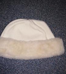 Ženstvena kapa s krznom poklon ili