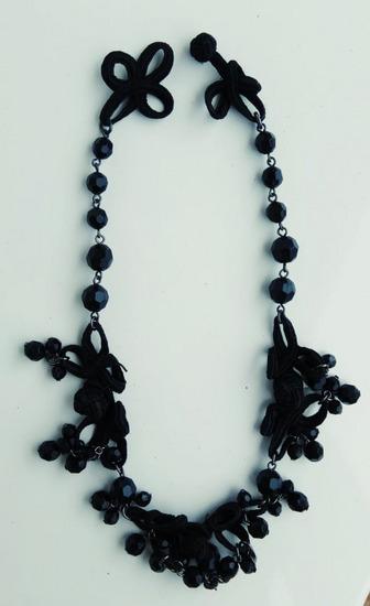 Ogrlice razne - retro