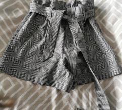 Zara kratke hlače  novo!