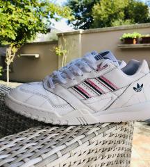 Adidas Originals A.R. 39 1/3