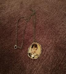 Illegale Audrey Hepburn lančić