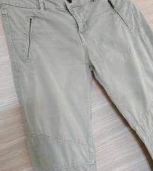POKLANJAM ZARA maslinaste hlače vel 38