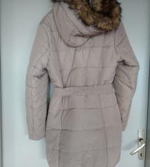 Bež pernata jakna (nova)/SADA 200 KN
