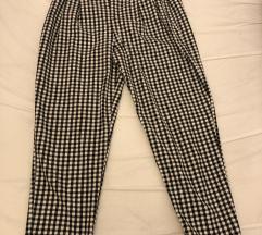 Crno bijele hlače