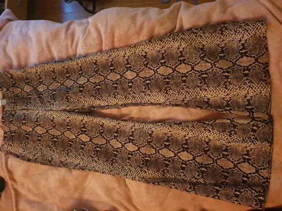 Zara zmijske hlače u zvono